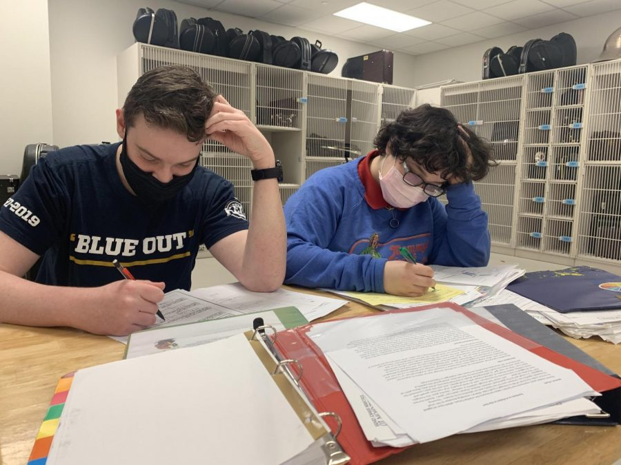 Sophomores Brian Rosen (left) and Kainoa Nonnemacher (right),  study for the SAT they are scheduled to take in two years. Both felt overwhelmed by the amount of information that was placed in front of them.